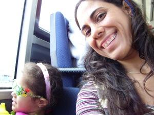 Kirine y la nena_paseo en guagua